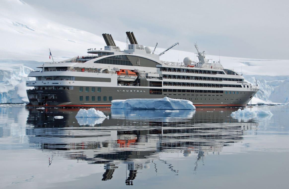 Les Cyclades : « Yachting de croisière en bleu et blanc » avec l'Austral
