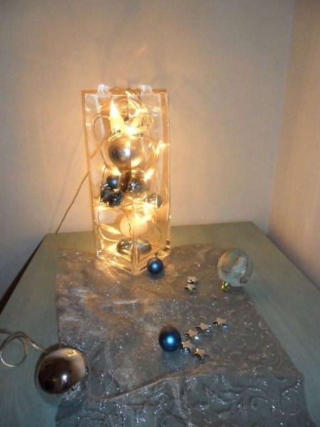un vase lumineux et scintillant avec trois fois rien. Black Bedroom Furniture Sets. Home Design Ideas