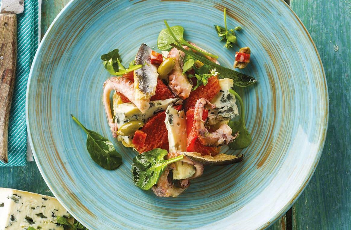 Tarte fine aux tomates confites et Bleu d'Auvergne
