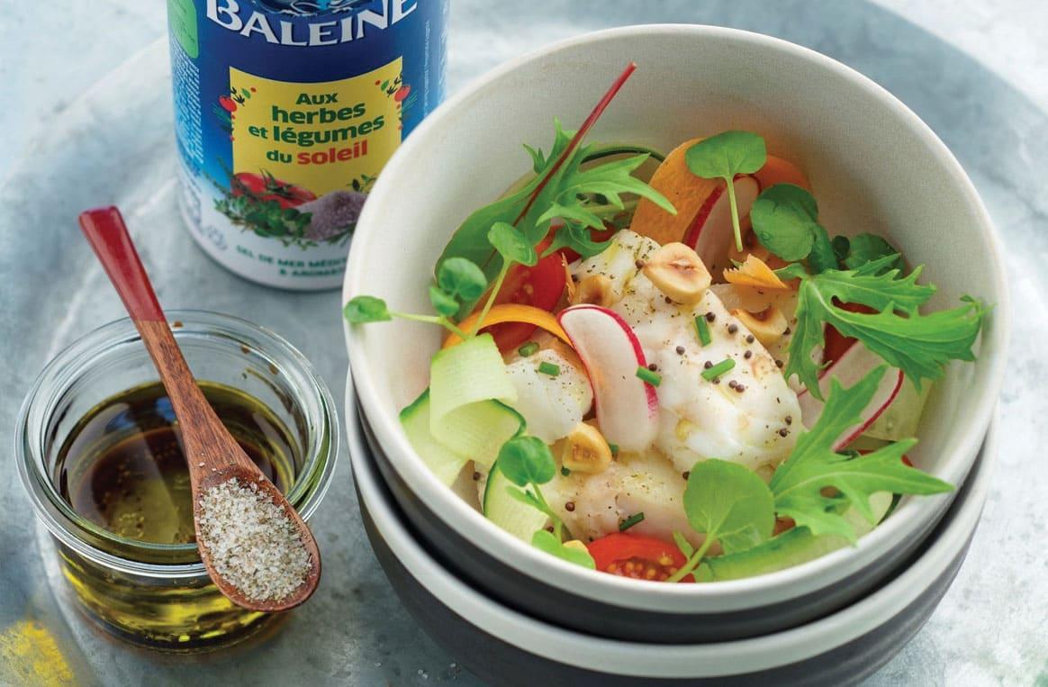 Salade de cabillaud, aux herbes et légumes du soleil