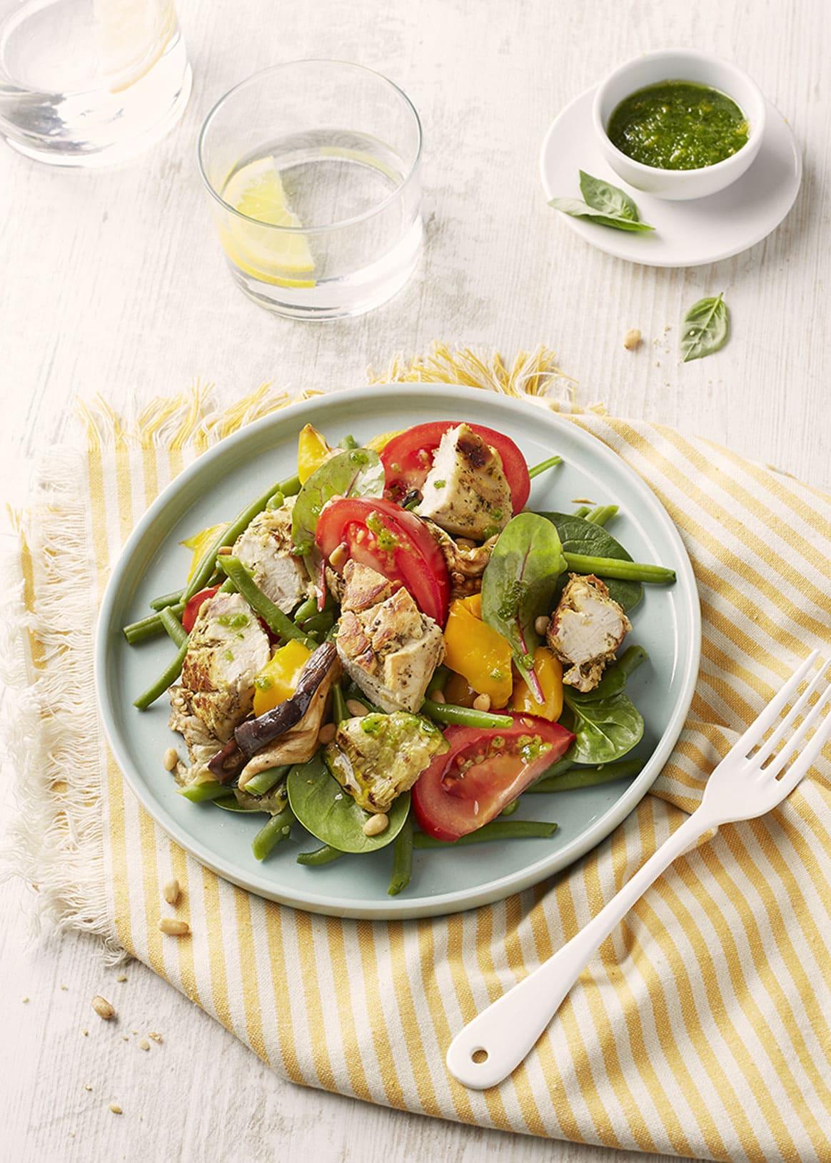 Salade estivale de lapin, sauce à l'ail